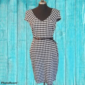 ⭐Black and White houndstooth dress